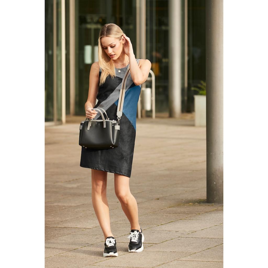 LASCANA Sneaker, mit Plateausohle und angesagtem Animal-Print