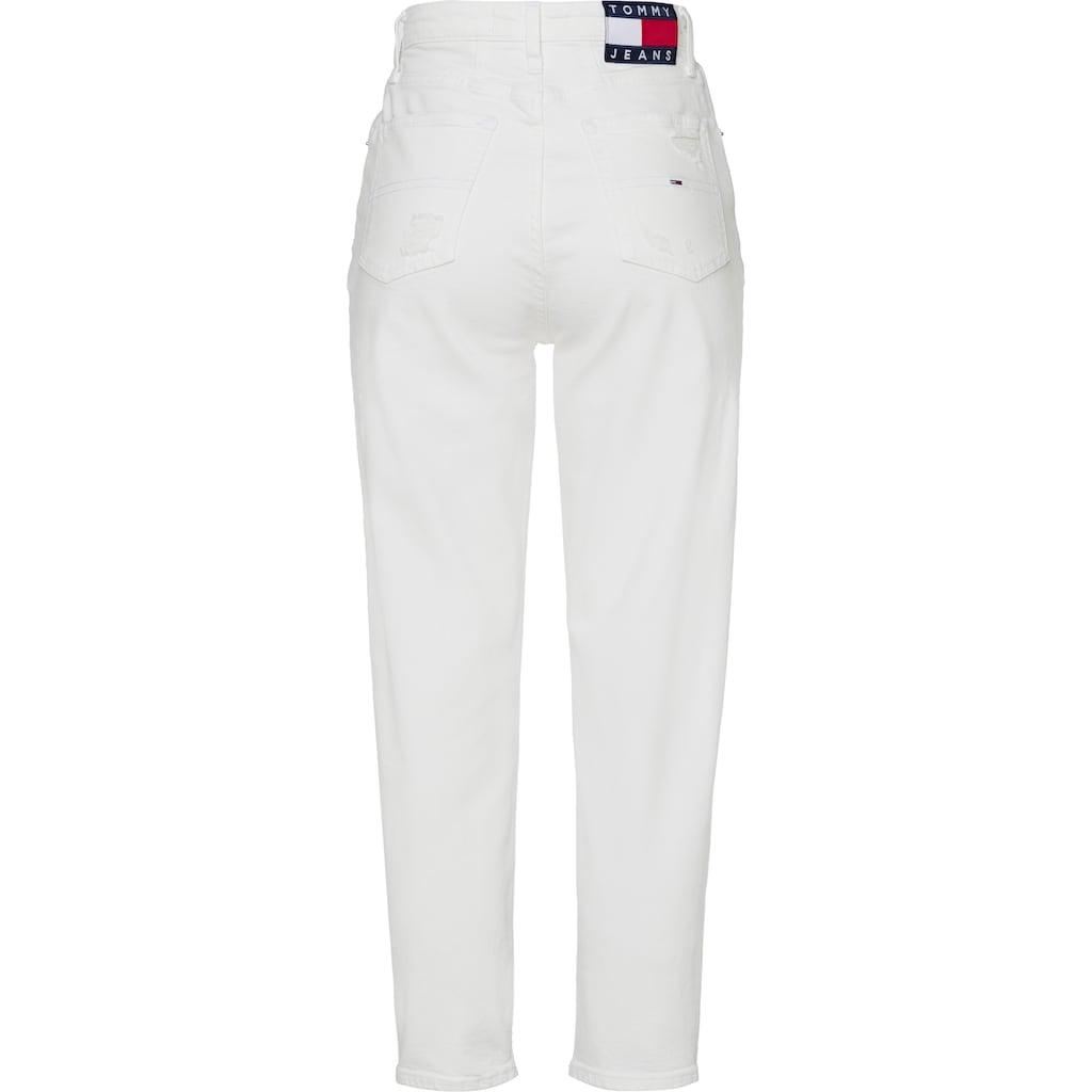 Tommy Jeans Mom-Jeans »MOM JEAN ULTRA HR TPRD ALBC«, im Five-Pocket-Look und mit Abriebstellen