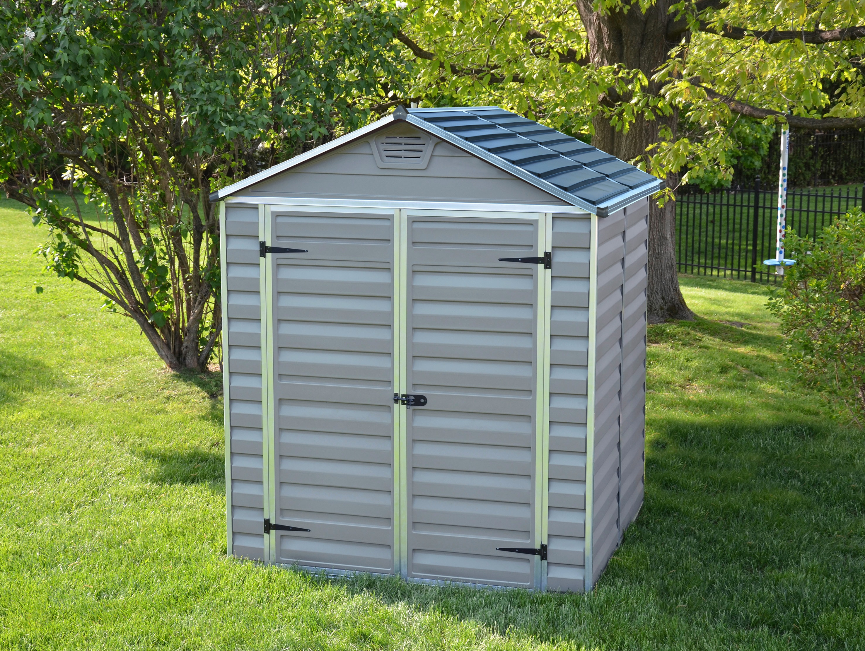 Palram Gerätehaus Skylight 6x5 silberfarben Geräteschuppen -schränke Garten Balkon