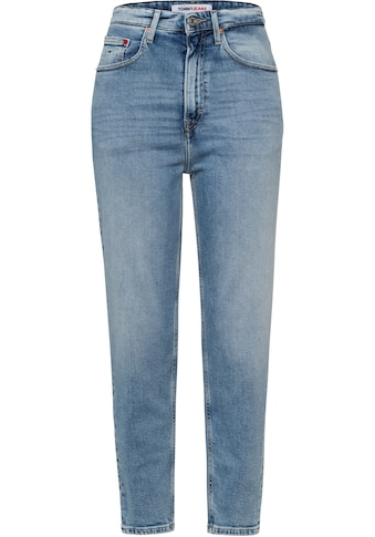 Tommy Jeans Mom-Jeans »MOM JEAN UHR TPRD CBGRR«, mit Tommy Jeans Loog-Badge kaufen