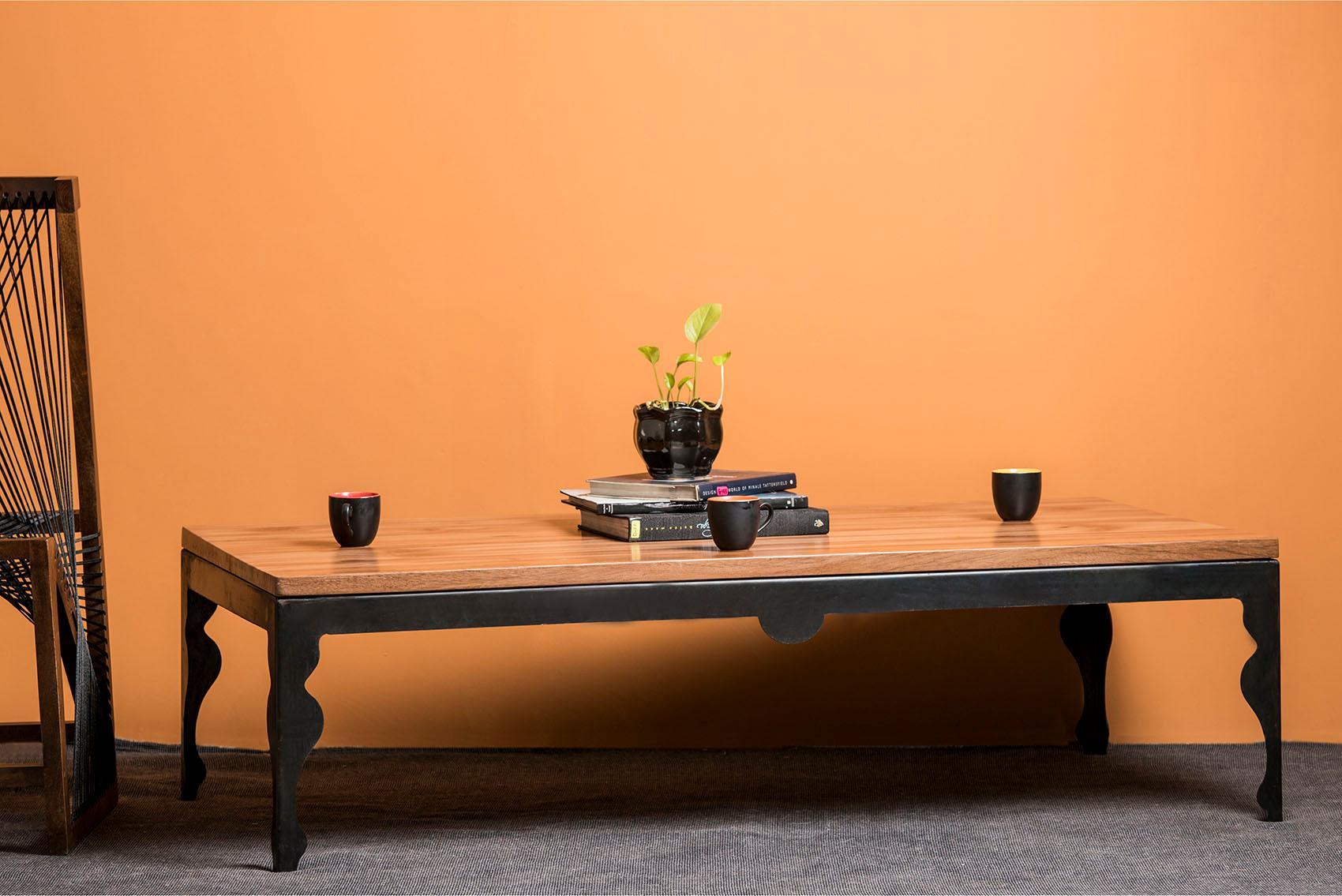 Home affaire Couchtisch »Baroque«, aus massivem Mangoholz, mit schönen Metallbeinen und schönen Holzausschnitten