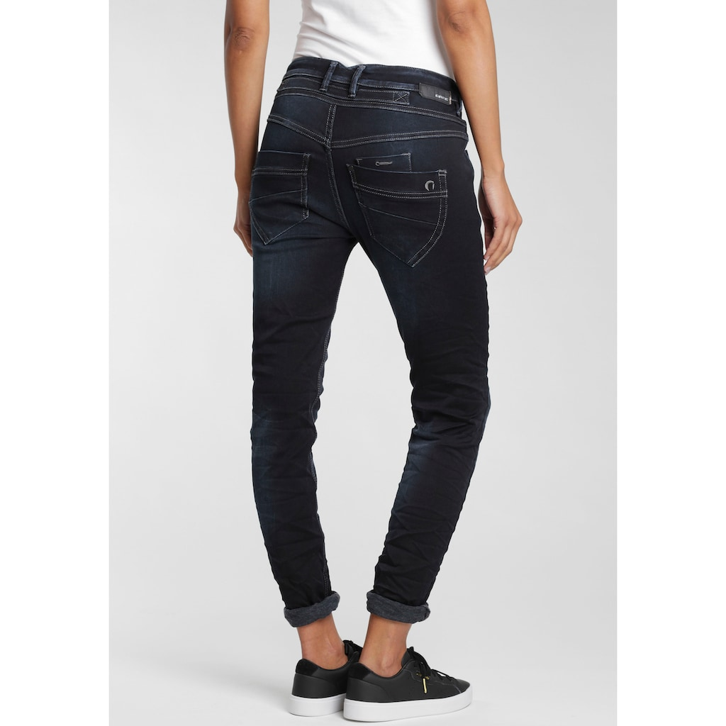 GANG Slim-fit-Jeans »Marge«, mit außergewöhnlicher halb verdeckter Knopfleiste