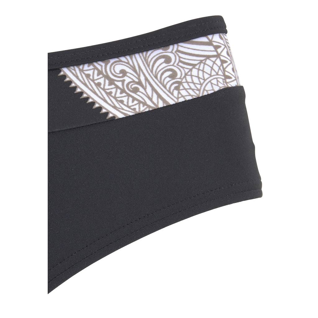 LASCANA Bügel-Bikini, im modischen Design