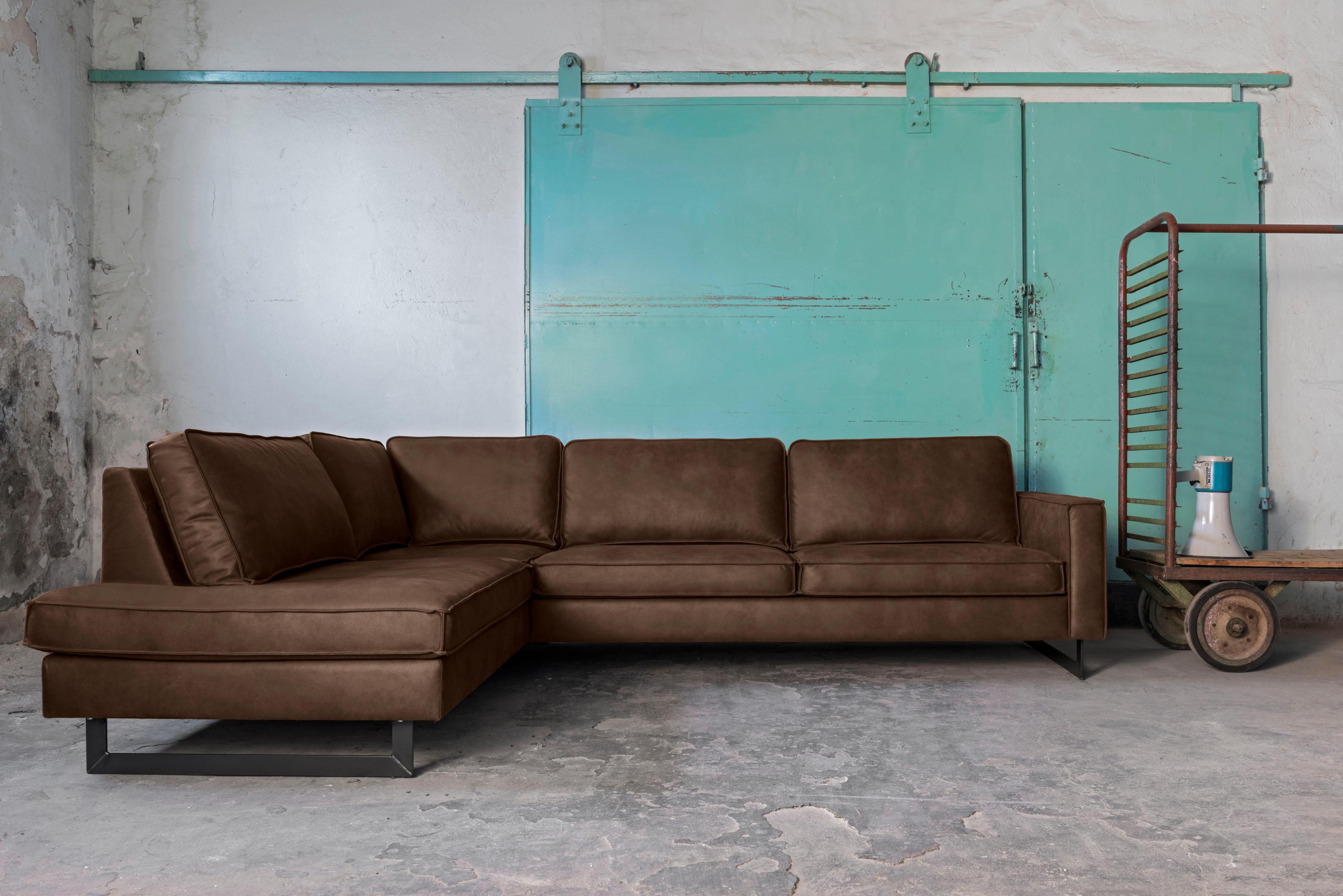 Places of Style Ecksofa »Pinto« mit Keder und Metallfüßen