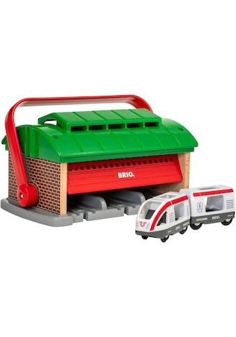 """BRIO® Spielzeugeisenbahn - Gebäude """"BRIO® WORLD Mitnehm - Lokschuppen mit Reisezug"""" kaufen"""