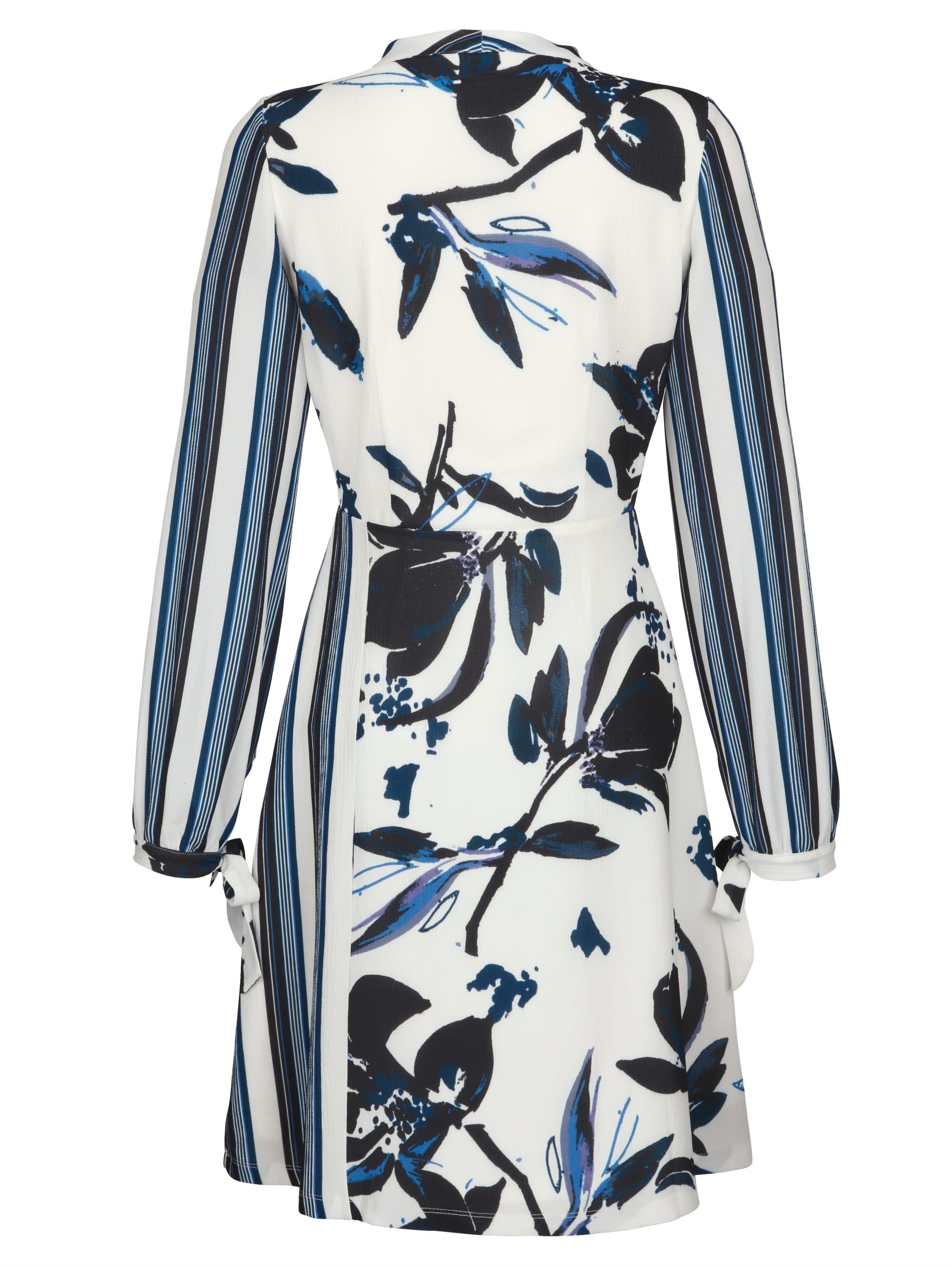 Alba Moda Kleid im ausdrucksstarkem Mustermix