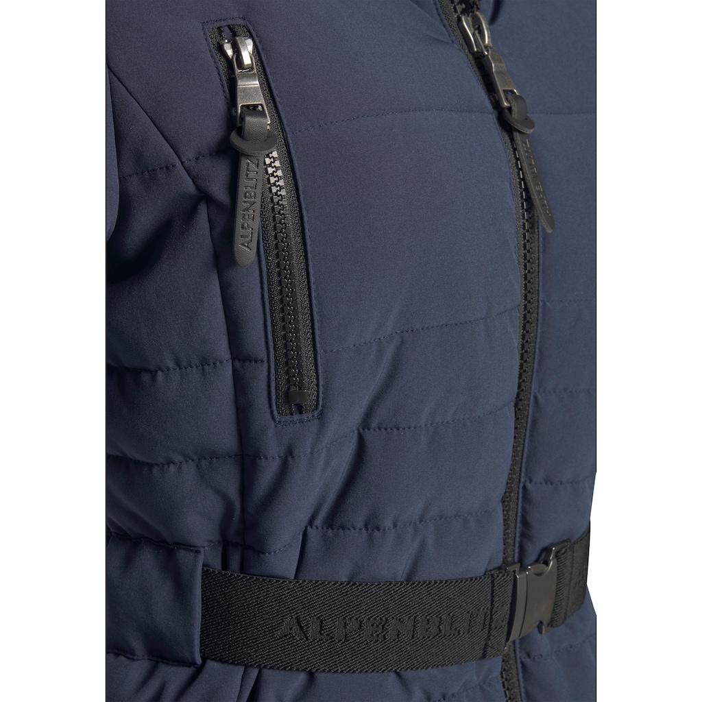 ALPENBLITZ Winterjacke »Oslo short«, hochwertige Steppjacke mit Markenprägung auf dem elastischem Gürtel und kuscheliger, abnehmbarer Kapuze