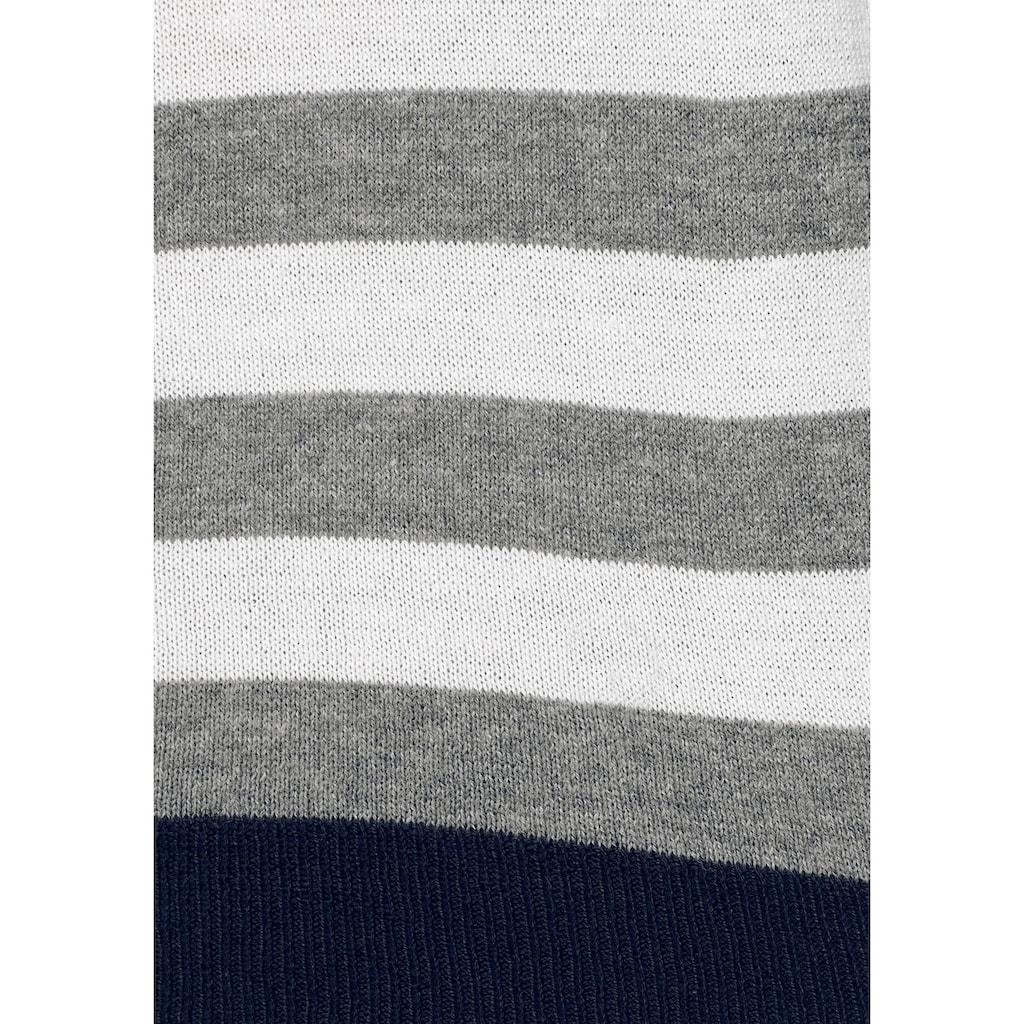 Aniston CASUAL Rundhalspullover, mit kurzer Zierknopfleiste im Rückenteil