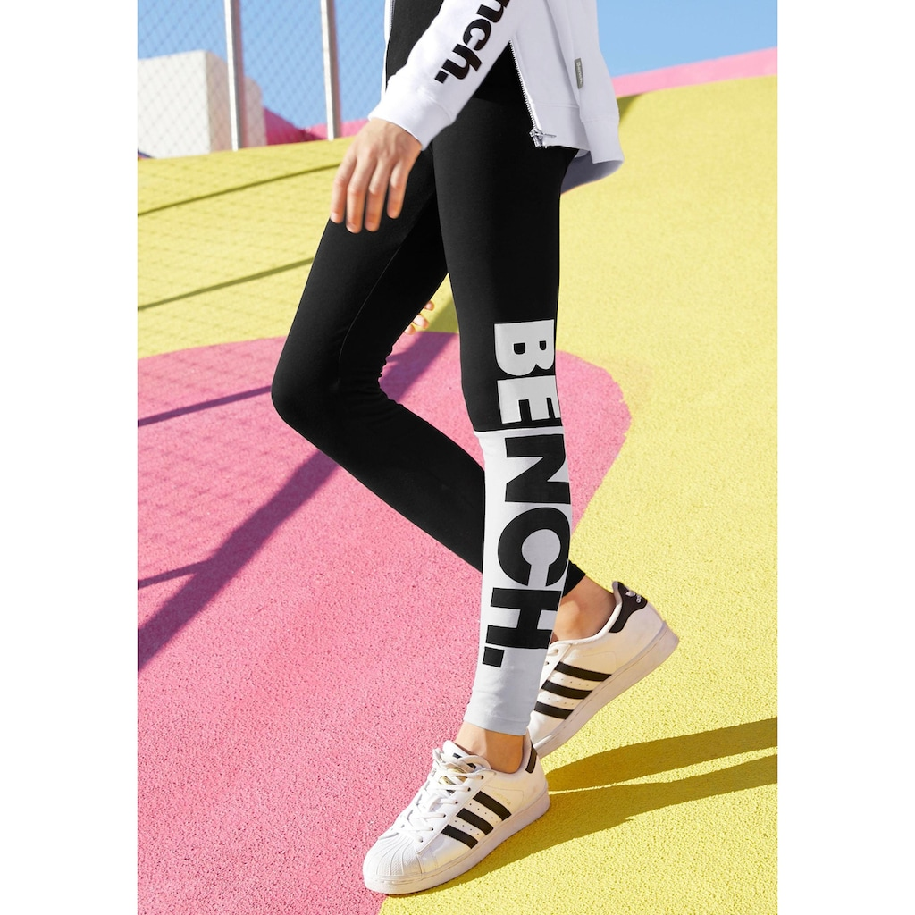 Bench. Leggings, mit großem BENCH Druck