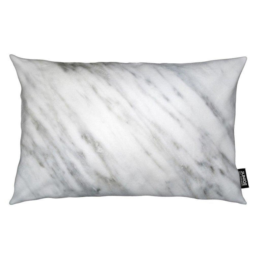 Juniqe Dekokissen »Carrara Italian Marble«, Weiches, allergikerfreundliches Material