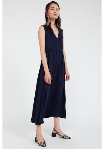 Finn Flare Jerseykleid, mit trendigem V-Ausschnitt kaufen