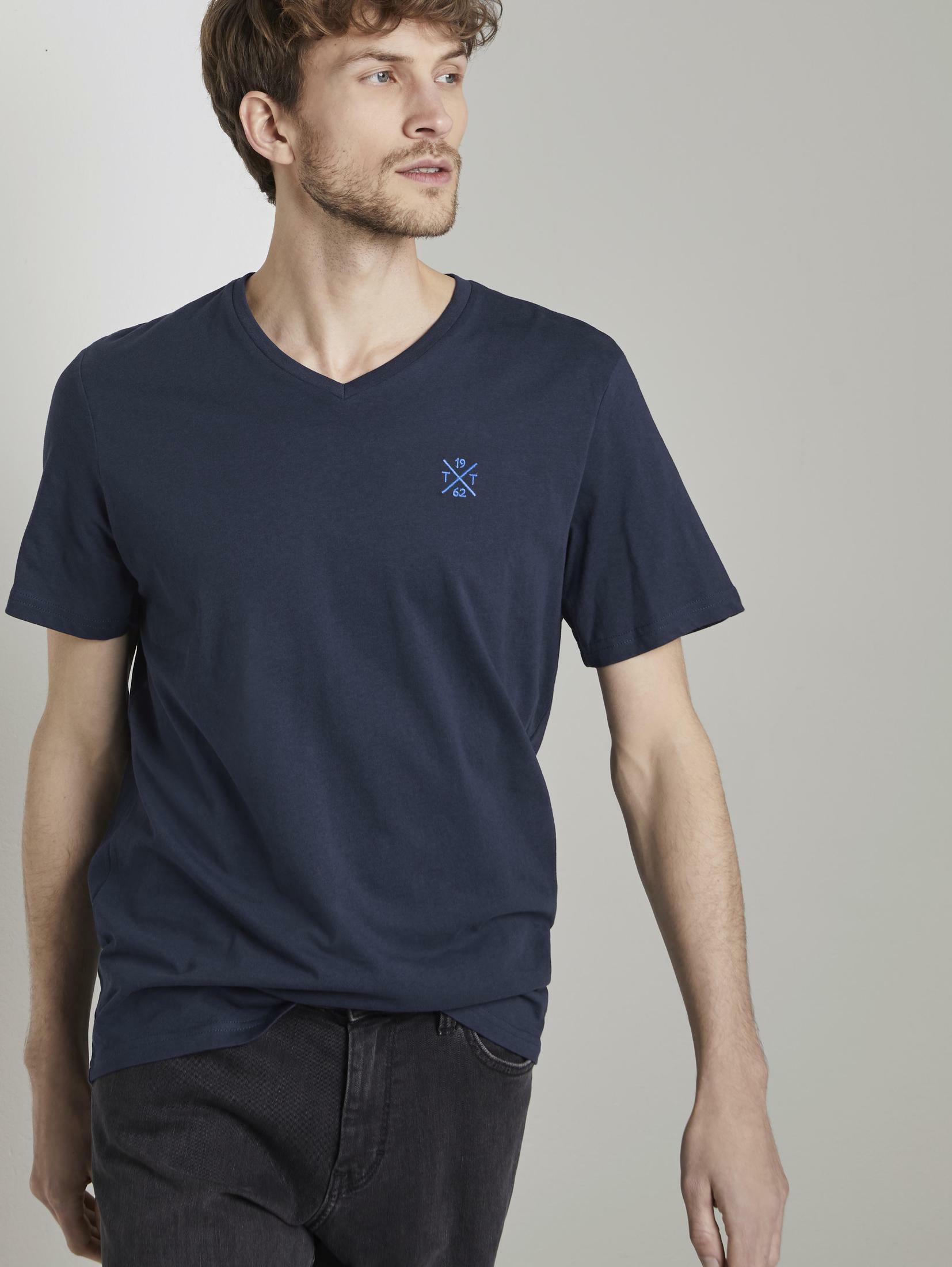 tom tailor -  T-Shirt Basic T-Shirt mit V-Ausschnitt