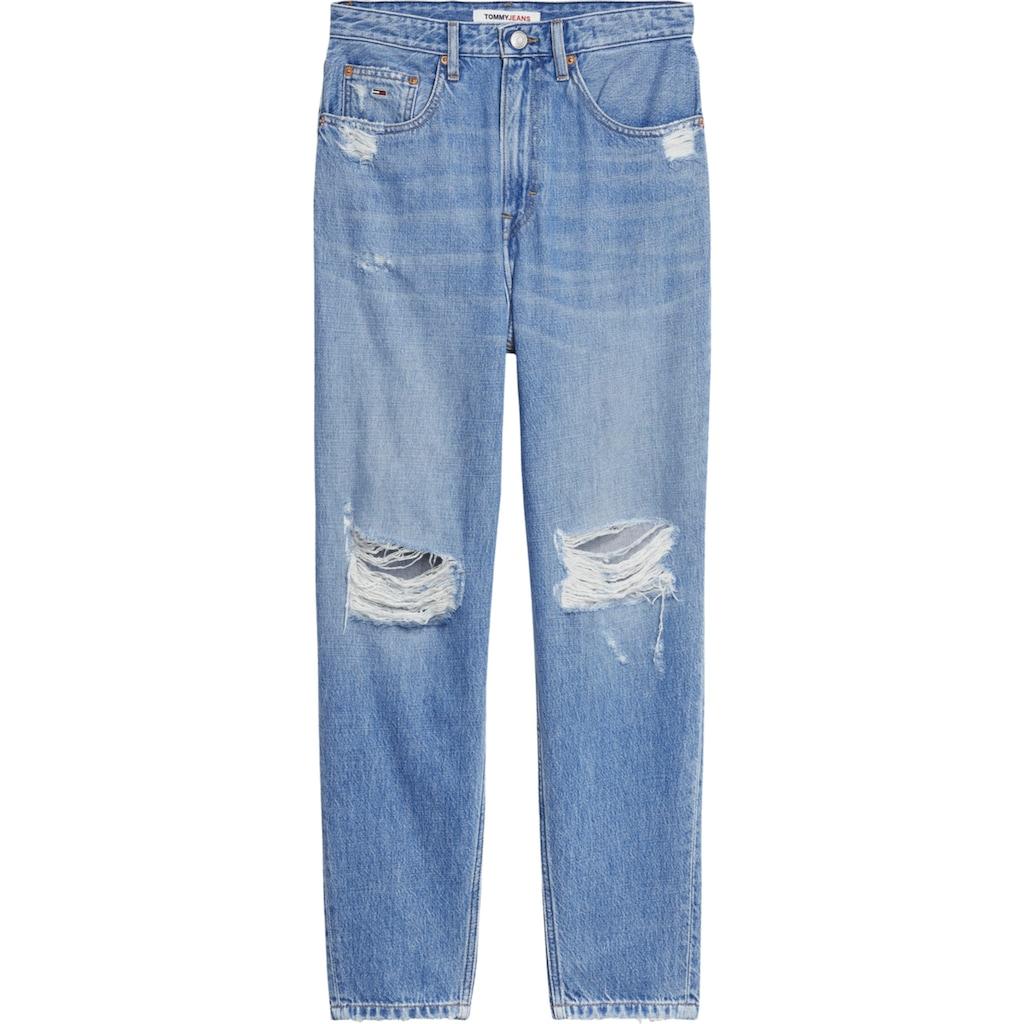 Tommy Jeans Mom-Jeans »Mom Jean UHR TPRD AE718 HYLBRD«, mit heavy Destroyed-Effekten & Tommy Jeans Logo-Badge