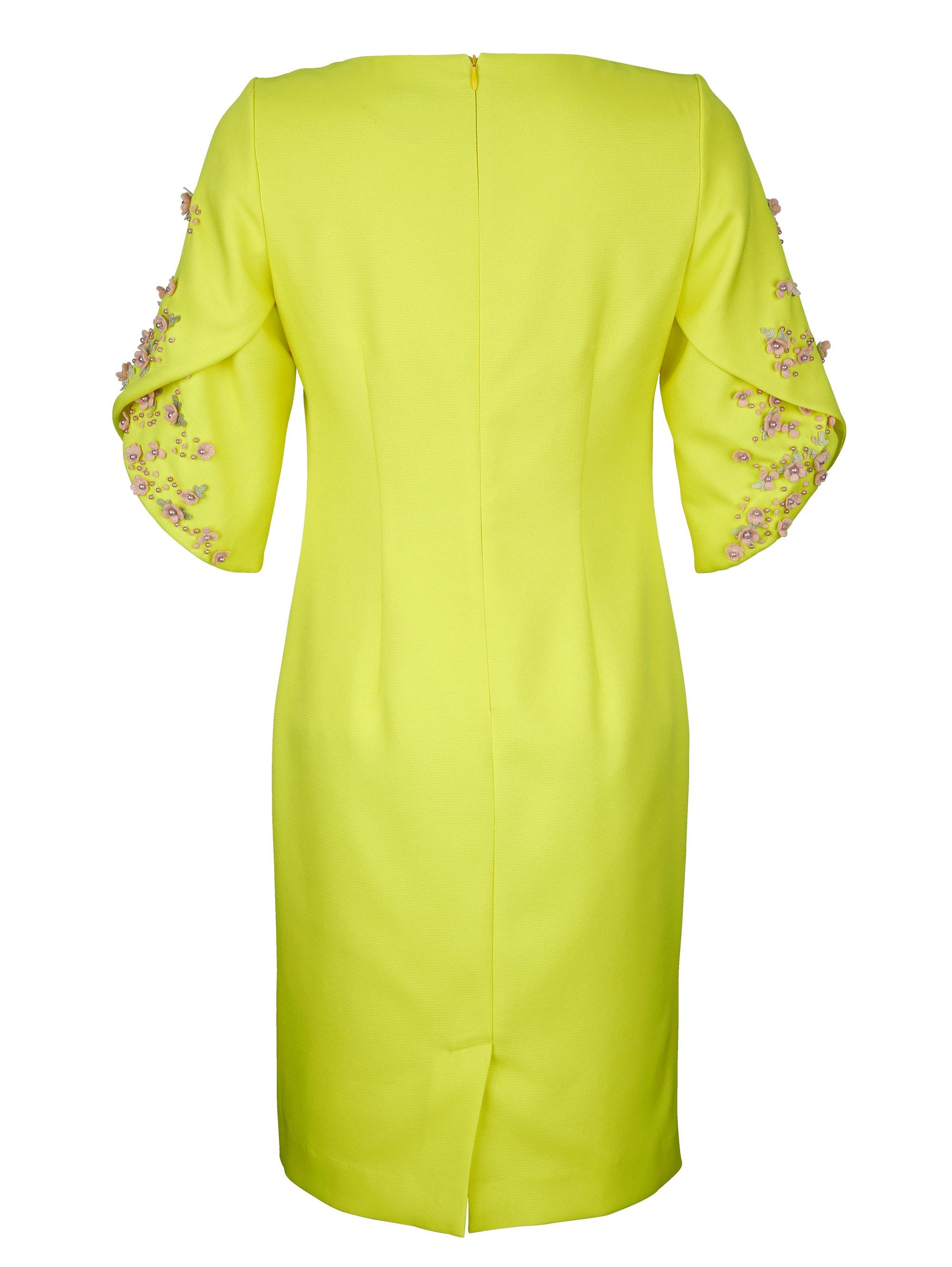 Alba Moda Kleid mit edlen Blüten-Applikationen