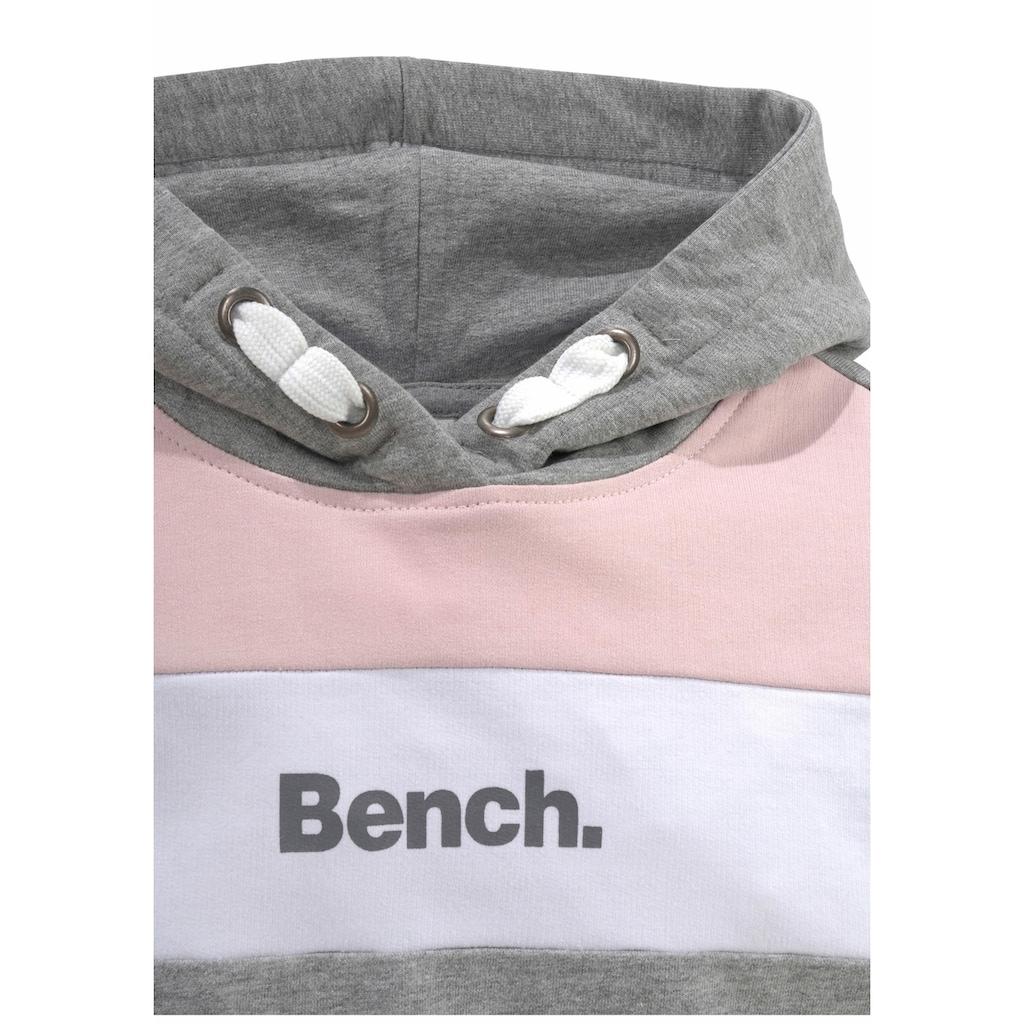 Bench. Kapuzensweatshirt, mit kontrastfarbenen Einsätzen